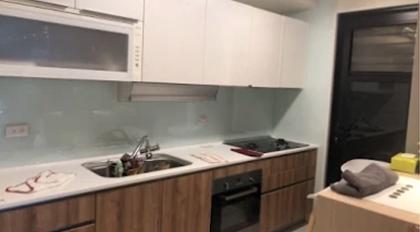 廚房烤漆玻璃