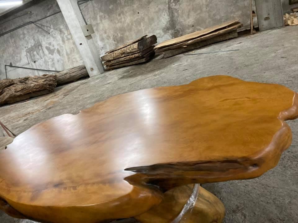 台灣黃檜原木桌~最長7尺3*最寬4尺8*高2尺3~漂亮大器