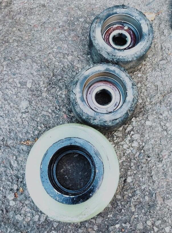 堆高機輪胎更換