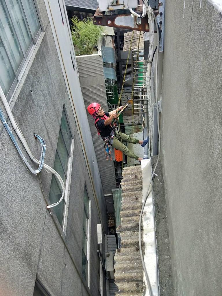 新北市板橋外牆清洗.防水施工