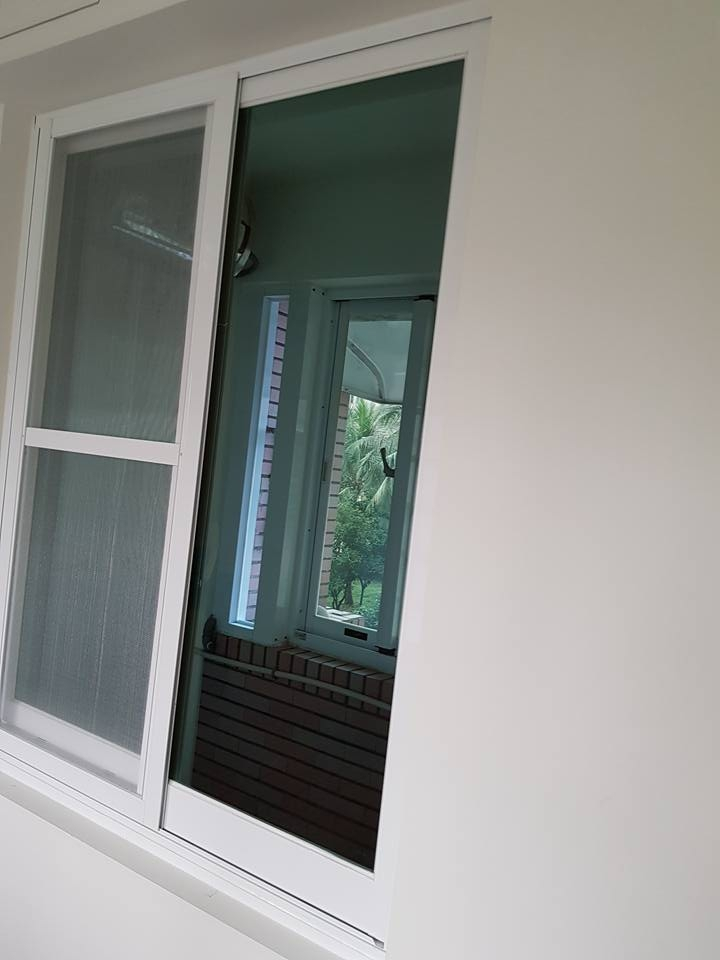 高雄鋁門窗