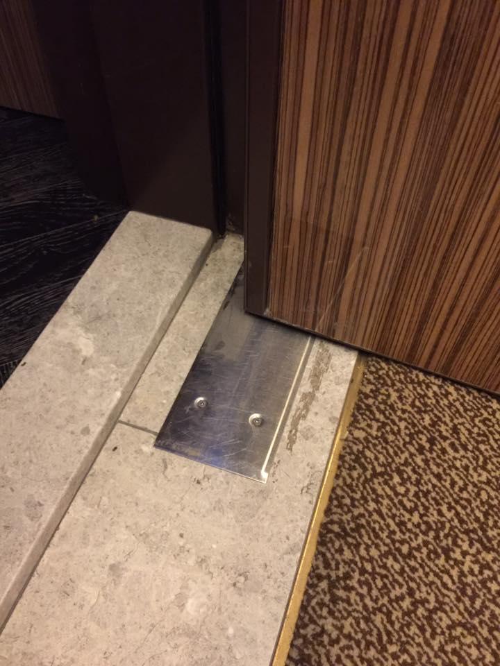 地絞鍊門扇維修