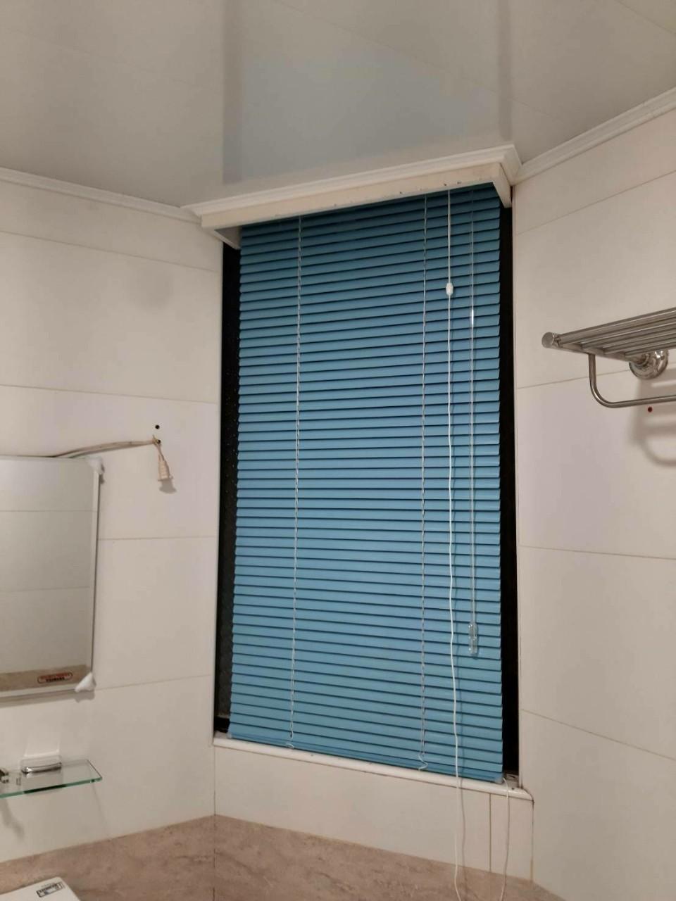 浴室鋁百葉