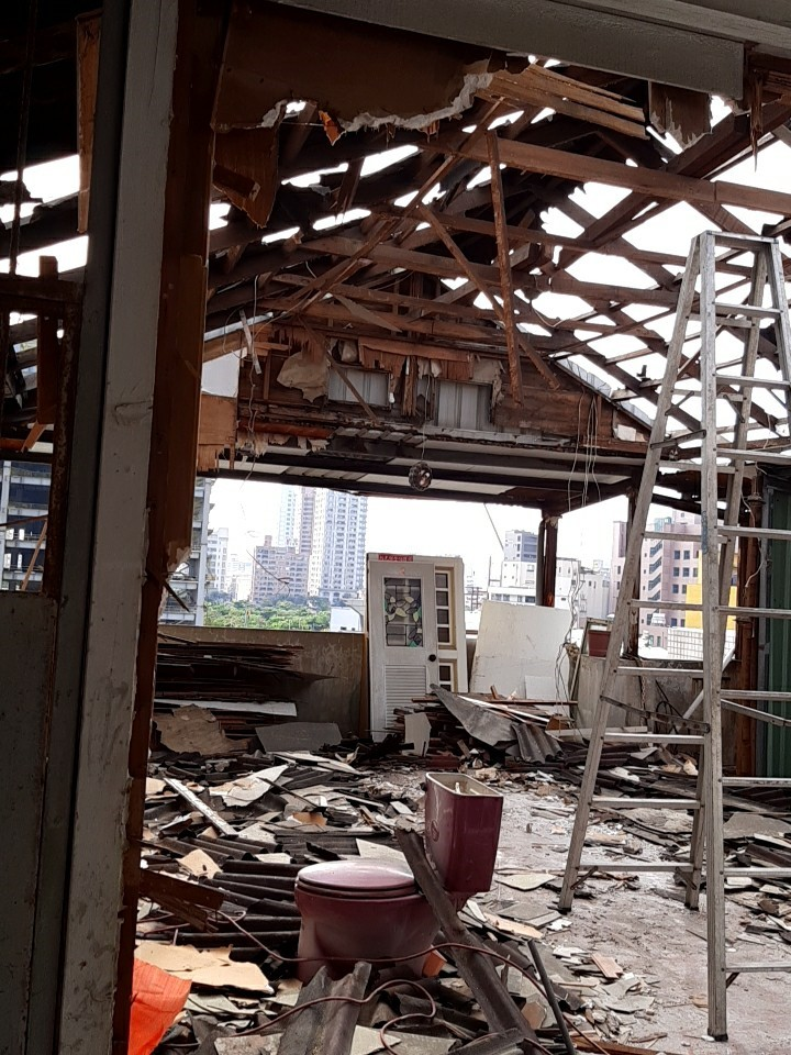 頂樓加蓋拆除